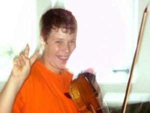 Robin, 11 Jahre, spielt Geige seit 5 Jahren